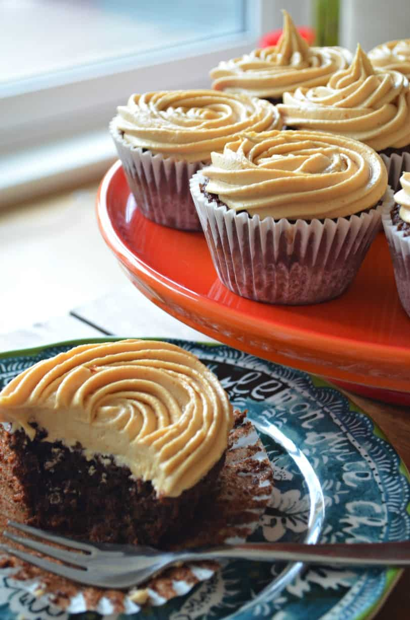 chocolate-cupcakes-peanut-butter-frosting