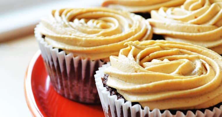 Chocolate Cupcakes with Peanut Butter Frosting + Video!
