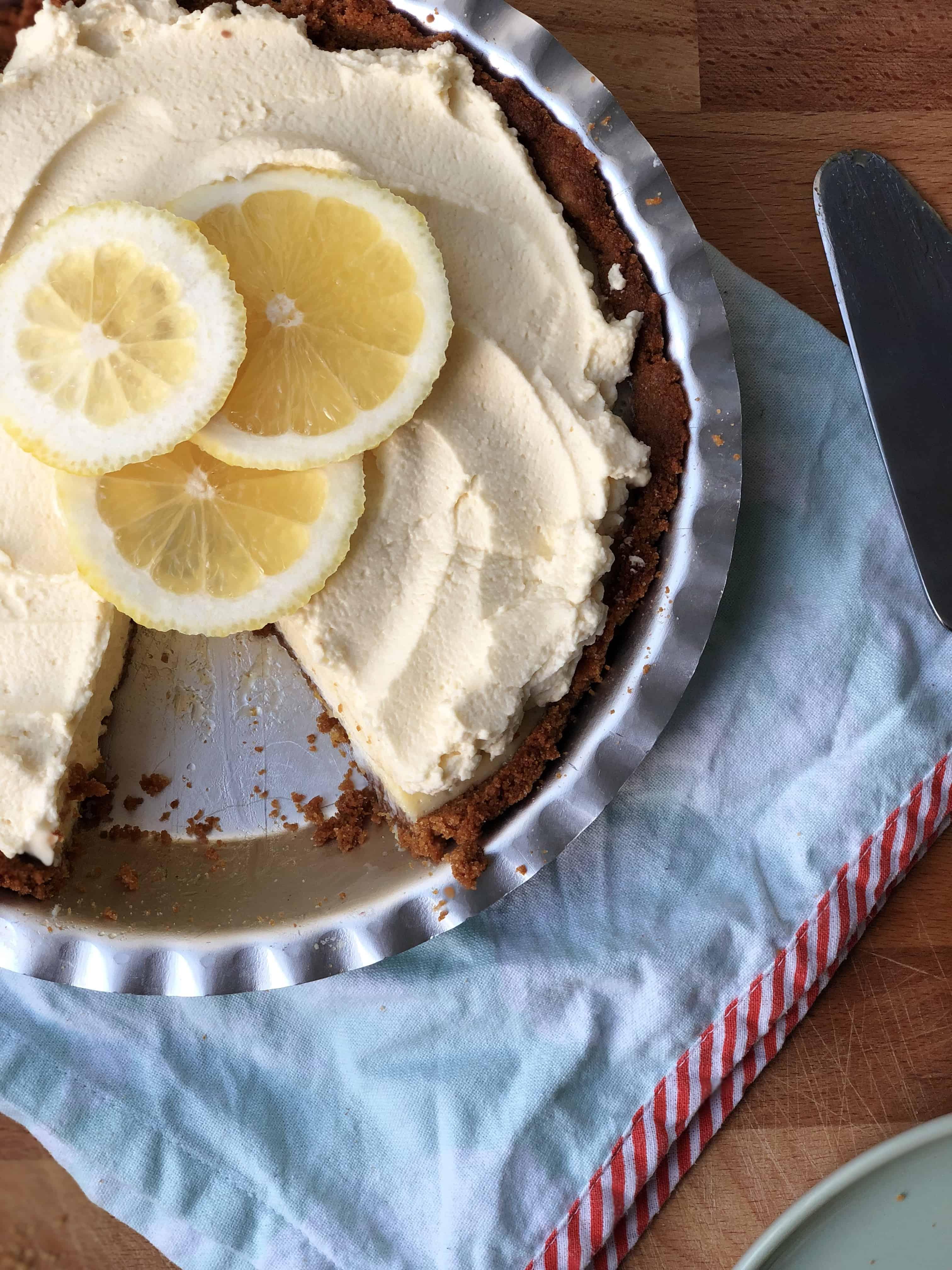 lemon cream gingernut pie