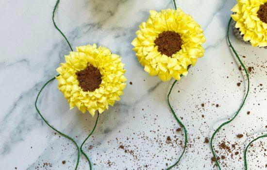 Chocolate & Vanilla Sunflower Cupcakes