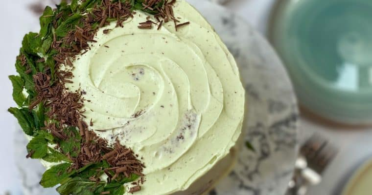 Mint Chocolate Cake (With Vertical Layers!)