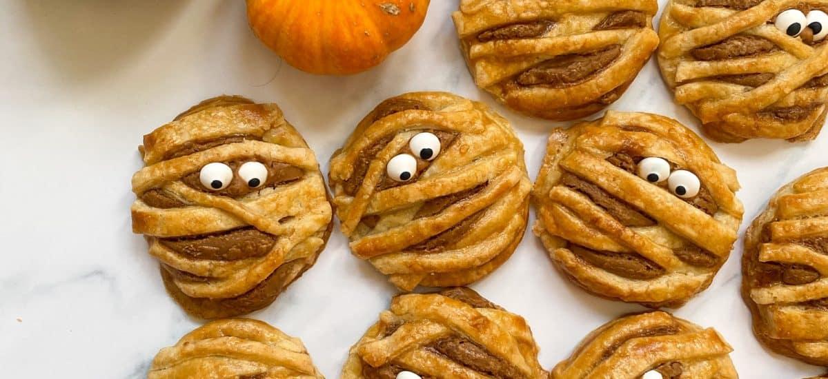 'Mummy' Biscoff Hand Pies